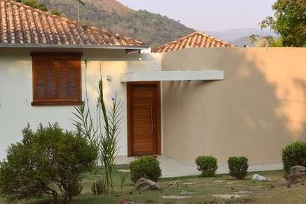 Rumah teras by Patricia Abreu arquitetura e design de interiores