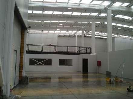 CABAGAN: Bodegas de estilo  por Incubar: Arquitectura & Construcción