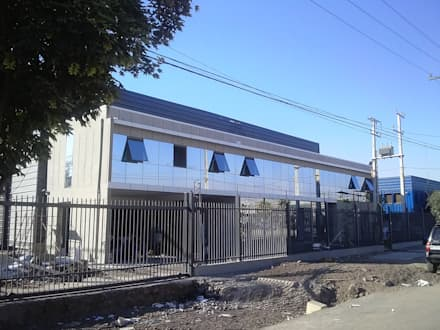 CABAGAN: Casas de estilo industrial por Incubar: Arquitectura & Construcción