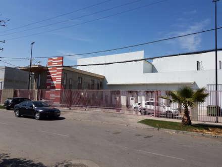 Oficinas, Frigorífico y Bodegas Koriwasi (Sabor Peruano): Bodegas de estilo  por Incubar: Arquitectura & Construcción