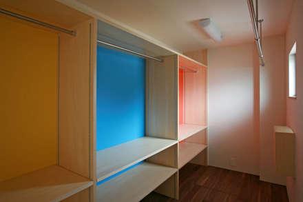 Ruang Ganti by 設計事務所アーキプレイス
