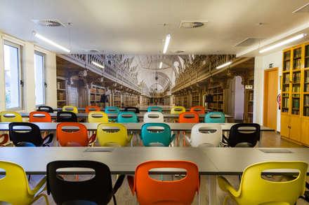 Residencia de estudantes: Escritórios e Espaços de trabalho  por GF Designers de Interiores