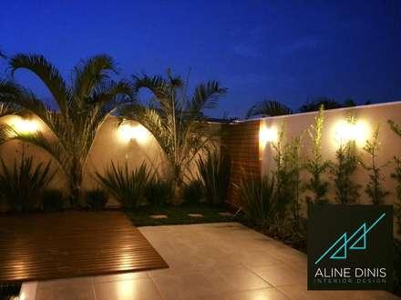 Piscinas de jardín de estilo  por Aline Dinis Arquitetura de Interiores