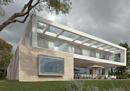 Hogar : Casas de estilo clásico de Holger Stewen Interior Design S.L.