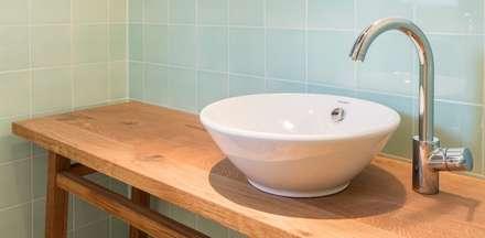 Badezimmer ideen einrichtung bilder im landhausstil homify for Fachwerkhaus definition