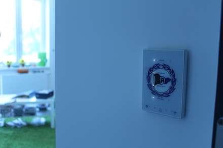 Zennio TouchMyDesign kapazitiver Glastaster, mit individuellem Glasdesign:  Elektronik von hobaPlan GmbH & Co. KG