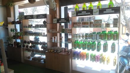 SHOWROOM INTERIOR_HOME-A-GARDEN@BANGALORE:  Commercial Spaces by Inshows Displays Private Limited