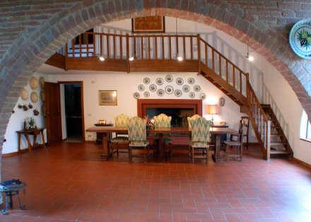 Sala da pranzo in stile in stile Rustico di homify