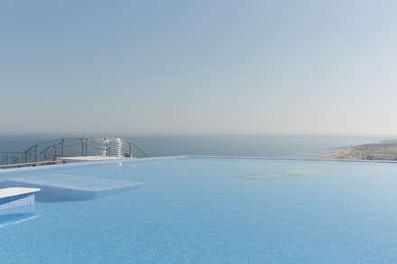 Apartamento en Arenales del Sol, ALicante: Piscinas infinitas de estilo  de AGUSTIN DAVID PHOTOGRAPHY