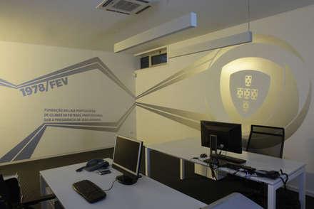 Portuguese Futebol League:  Office buildings by Mónica Parreira Design Interiores