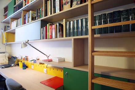 Antico & Contemporaneo: Studio in stile in stile Eclettico di Filippo Colombetti, Architetto