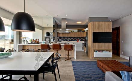 Espaço gourmet: Cozinhas industriais por Espaço do Traço arquitetura