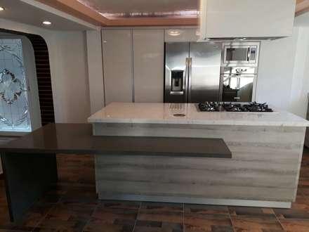 Built-in kitchens by La Central Cocinas Integrales S.A de C.V