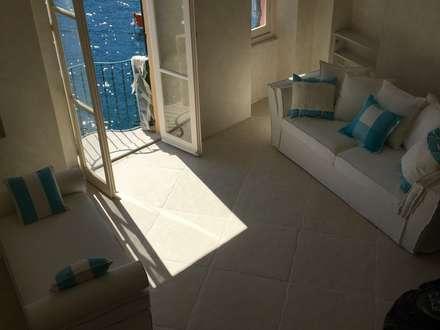 Casa a Portofino: Pavimento in stile  di Cotto Antiqua