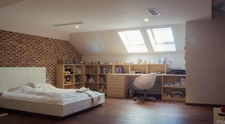 غرفة نوم بنات تنفيذ Архитектурная мастерская Leto