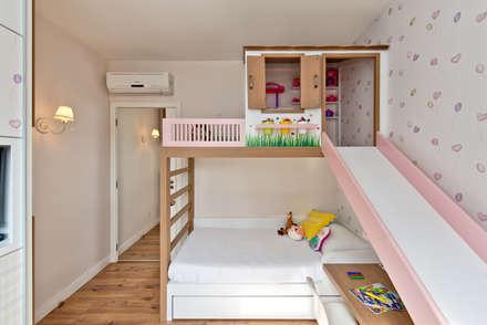 Habitaciones para niñas de estilo  por Espaço do Traço arquitetura