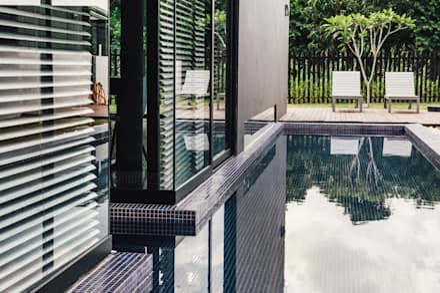 Garden Pool by J Hous Studio