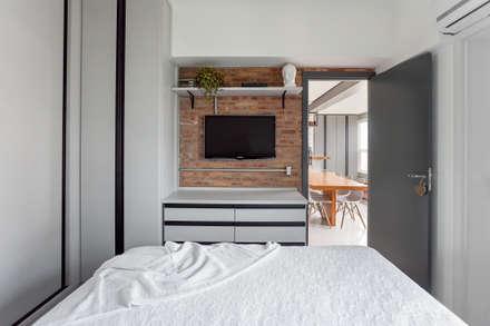 Loft moderno: Quartos  por Ana Mendes Arquitetura