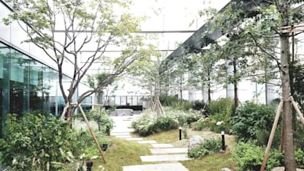 상업정원_서울시 종로구 수송타워 옥상 정원 프로젝트: (주)더숲의  상업 공간