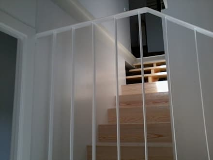 Stairs by MUEBLES ARROYO,S.L.