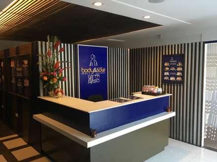 Ruang Komersial by Yaoto Design Studio