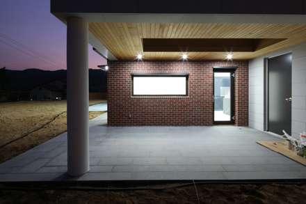 지산발트하우스 하울: 인문학적인집짓기의  일세대용 주택