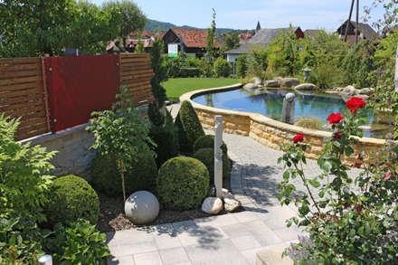 RAUCH Gaten- und Landschaftsbau GbR의  수영용 연못