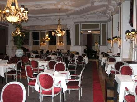 Grande Hotel do Porto: Salas de jantar clássicas por Ferreira de Sá