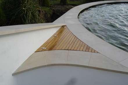Circular Koi Pond edging detail: modern Pool by www.water-garden.co.uk