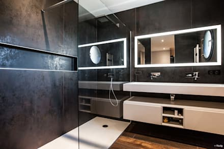 Salle de bain moderne noire: Salle de bains de style  par Pixcity