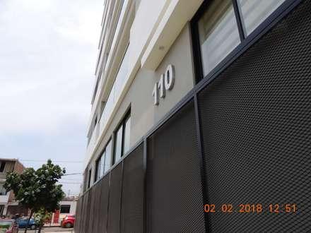 Residencial Marsano: Casas multifamiliares de estilo  por Prototype Arquitectos S.A.C.