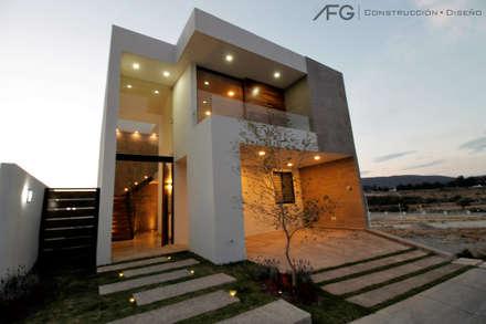 獨棟房 by AFG Construcción y Diseño