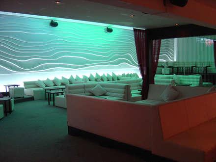 Bars & clubs by B&Ö Arquitectura interior y muebles | Diseño de bares y restaurantes / Interiorismo y Decoración México.