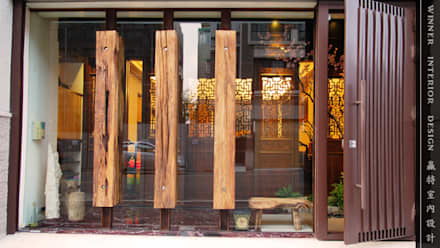 Puertas de entrada de estilo  por 贏特室內裝修工程有限公司  Winner Interior Design