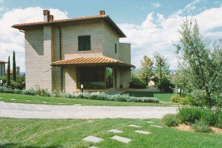 Morelli & Ruggeri Architetti의  빌라