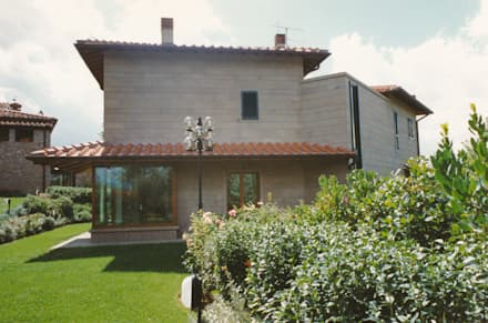 前院 by Morelli & Ruggeri Architetti