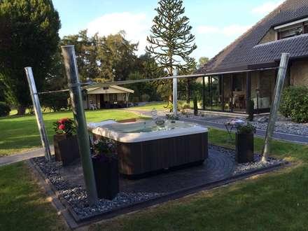 Jacuzzi® Original Aufstellung im Garten - Perspektive 1: modernes Spa von Whirlpool Center
