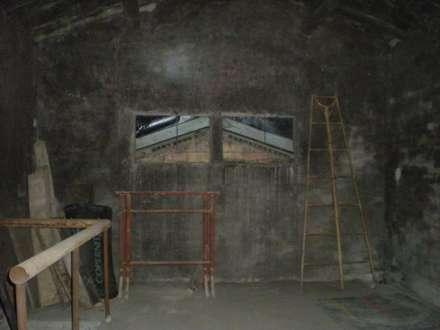 MAGAZZINO PRIMA: Studio in stile in stile Industriale di MINIMAL di Casini Roberta