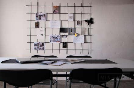 RELOOKING MAGAZZINO - bacheca: Studio in stile in stile Industriale di MINIMAL di Casini Roberta