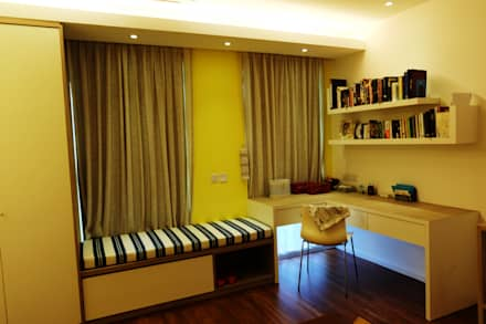 Contemporary Tropical , 3-Storey semi-D: tropical Bedroom by inDfinity Design (M) SDN BHD