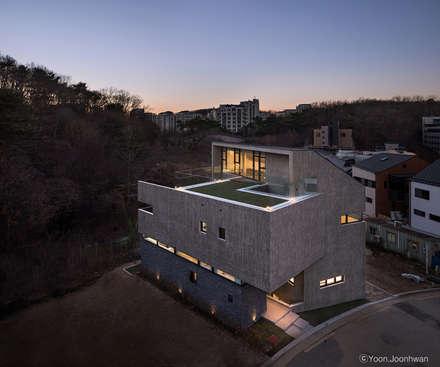 시연재: 디자인그룹 콜라보의  주택
