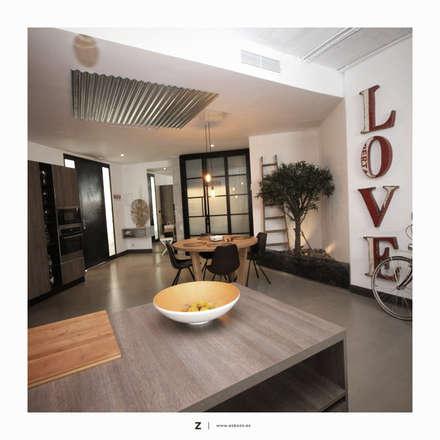 LOFT Málaga: Estudios y despachos de estilo industrial de ESBOZO Interiorismo
