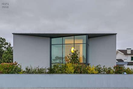 Fotografia de arquitetura - Moradia Unifamiliar: Janelas   por ARKHY PHOTO