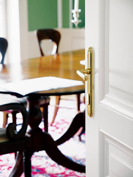 Wooden doors by Schwarzott Einrichtungshaus & Werkstätte