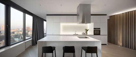 SKYLINE: Кухонные блоки в . Автор – MONO ARCHITECTS