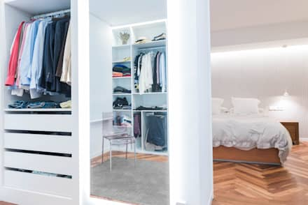 Vista vestidor_habitación: Vestidores de estilo minimalista de MAGA - Diseño de Interiores