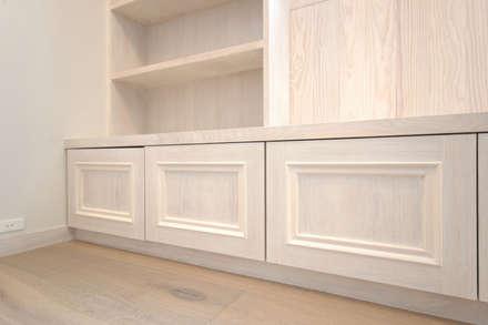 Habitaciones para niñas de estilo  por スタジオ・スペース・クラフト一級建築士事務所