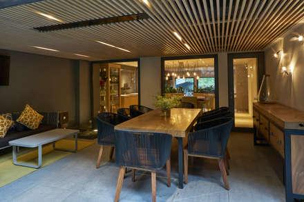غرفة السفرة تنفيذ HDA: ARQUITECTURA BIOCLIMATICA