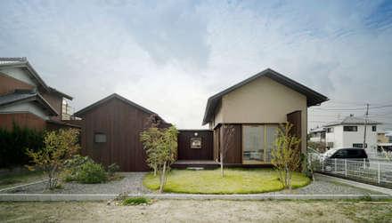 Casa di legno in stile  di アトリエ FUDO