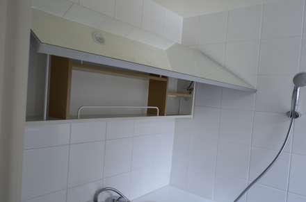 minimalistic Bathroom by 마룸
